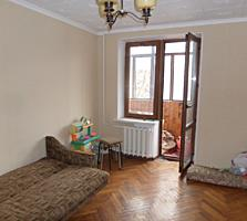 Centru. Apartament cu 2 camere, reparatie cosmetica, mobilat.