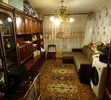 Vînd apartament cu 3 odăi în centrul or. Floreşti!! SCHIMB PE CASĂ!!
