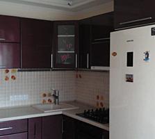 2-комнатная с хорошим ремонтом и автономным отоплением.