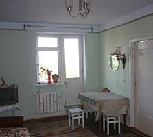 Продам 3-комнатную квартиру в центре. Недорого!