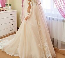Свадебное платье со шлейфом НЕ ВЕНЧАННОЕ, Возможен Прокат