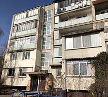 Banca comercială vinde apartament cu 2 odăi, seria 102, 53 m. p. Centru