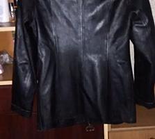 Продам женский кожаный пиджак размер М в хорошем состоянии