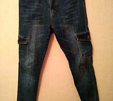 Продам джинсы НА РЕЗИНКЕ ВНИЗУ Б/У в отличном состоянии - 100 рублей
