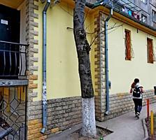 Продаю 4-комнатную квартиру в центре Ботаники