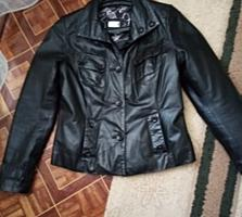Продам кожаную куртку 46 размар