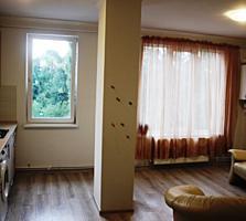 Vind apartament nou la Botanica, linga Parcul S. Lazo