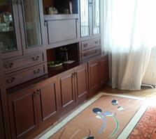 2х комнатную на Каховской, 4/4 эт, с ремонтом, стеклопакетами. 13800уе
