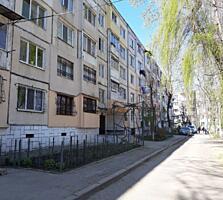 Куза Водэ, МС серия, 4/5 этаж, середина, чистая, жилое состояние!