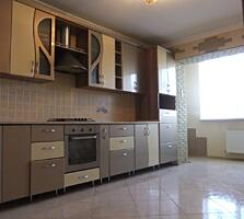 Apartament cu 4 camere, 106 m2! 2 bai, 3 lodgie, reparatie euro.