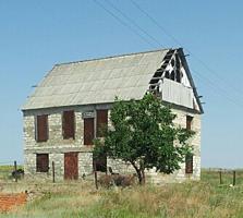 Срочно продам дом 2 этажа Ближний хутор со строит. материалом торг.