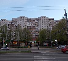 На 2-этаже, в середине, 143 серия, Dacia