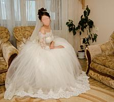 СРОЧНО! Недорого продам свадебное платье в идеальном состоянии.