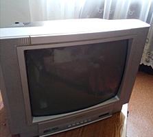 Продаю небольшой цветной телевизор.