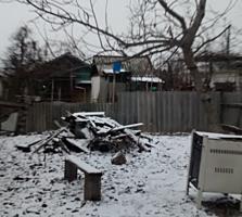 Продам дом (квартиру)В самом центре города огород, подвал есть. ТОРГ!!