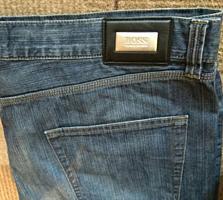 Фирменные, оригинальные джинсы HUGO BOSS в отличном состоянии.