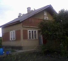 Casă-Vilă 2 etaje, 3 cam., or. Bălți, mobilată-bazin-terasă, gazon!!!!