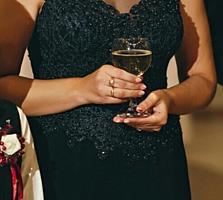 Продам вечернее платье. 42-44 размер