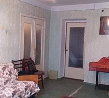 Двухкомнатная квартира, середина, два балкона