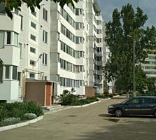 Продам 2-ком. кв. на Шелковом, 3/9 эт., с автономным отоплением.