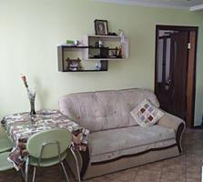 Просторная квартира по Одесской с кухней студией.