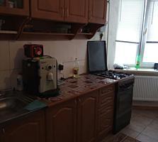 2х кварт в центре, ул. 1 Мая, 60м, кухня 9м, мебель, техника, ремонт.