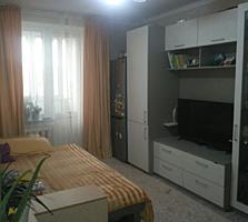 Двухкомнатная с евроремонтом и мебелью