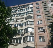 Botanica! Apartament cu 3 odai pe bl. Traian. De mijloc, 71 m2, Urgent!