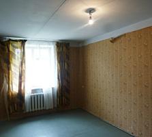 Продам 2-ком. квартиру (рубашка) под ремонт в центре Тирасполя, р ПГУ