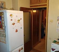 Продается 2-комнатная квартира 50 кв м. Этаж 5 из 9 есть лифт. Большая