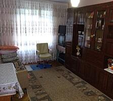 Продается 2 комнатная квартира, 3 из 5 этажей. Сухая, теплая, раздельн