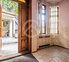 Apartament la sol cu 3 camere, 81,3m2,încălzire autonomă, garaj, terasă