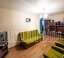 Riscani, Nicolae Dimo. Apartament cu 3 camere, euroreparatie, debara.