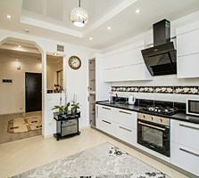 Apartament cu 2 odai +living, cu Euroreparatie la cheie. Posta Veche!!