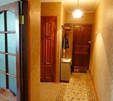 Продам трехкомнатную квартиру с добротным ремонтом в центре Тирасполя!