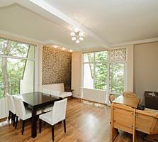 Продается 2 комнатная квартира в самом центре города