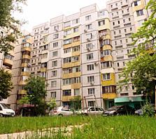 Apartament la cel mai bun etaj cu vedere spre zonă verde pietonală