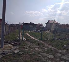 Лески, ул. Вишневая, участок правильной формы.