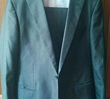 Продается итальянский классический костюм giorgio armani (оригинал)