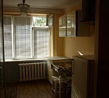 Продаю комнату в общежитии с санузлом. Центр.
