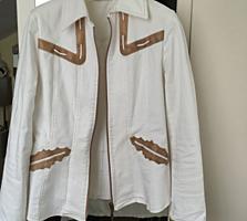 Джинсовые лёгкие качественные куртки по 300 лей, ткань мягкая стрейч