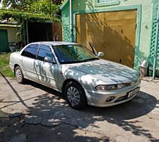 Продаю авто Мицубиси-Галант цвет серебристый металлик 1995 г 2,0