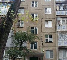 2-комнатная, верхняя Ботаникa, 3 этаж, 47 м2