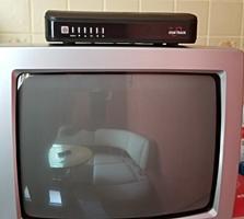 Продам телевизор б/у с приставкой dvbt t2.