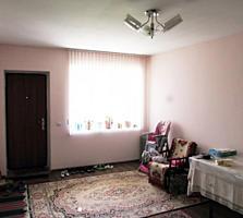 Botanica, Decebal. Apartament cu 2 odai, euroreparatie, anexa!