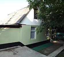 Casa de vara in Danceni, cu baie, WC, beci, in preajma transportului..