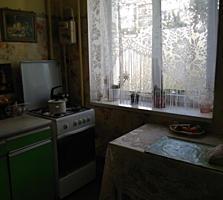 1-комнатная 4/9 Мечникова в котельцовом доме, косметика.