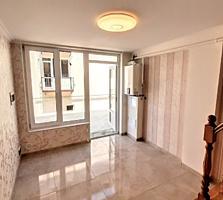 Танхаус 2 этажа 2 спальни + (салон & кухня) 50 m2 + дворик + кладовка