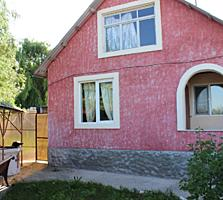 Casă - 1 nivel: 70m2 (+40 mp mansarda, garaj 21mp, beci) 6 ari