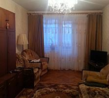Срочно продам 2-комнатную в центре, 3/5 этажки. 17500 уе